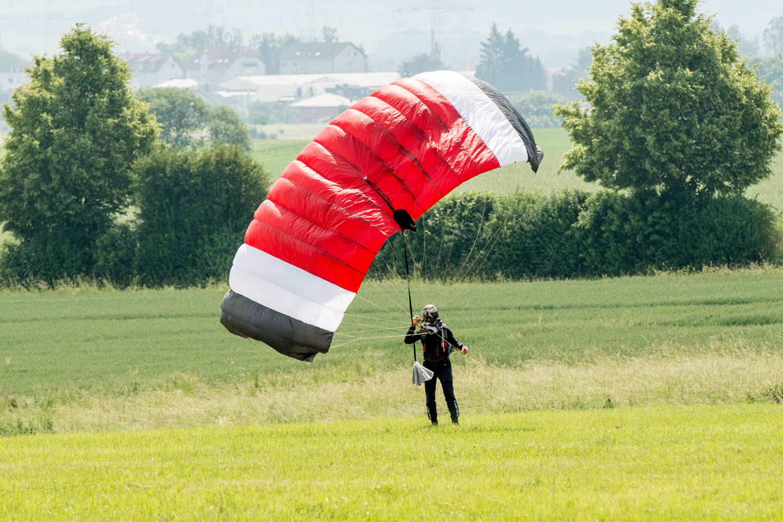 skydive fallschirmspringen peter lauritis 00077