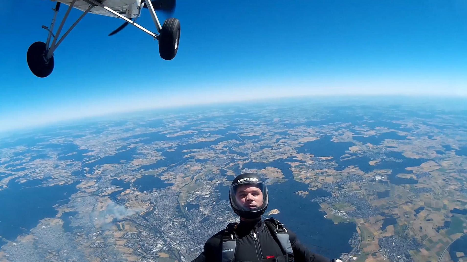 skydive fallschirmspringen peter lauritis 00086