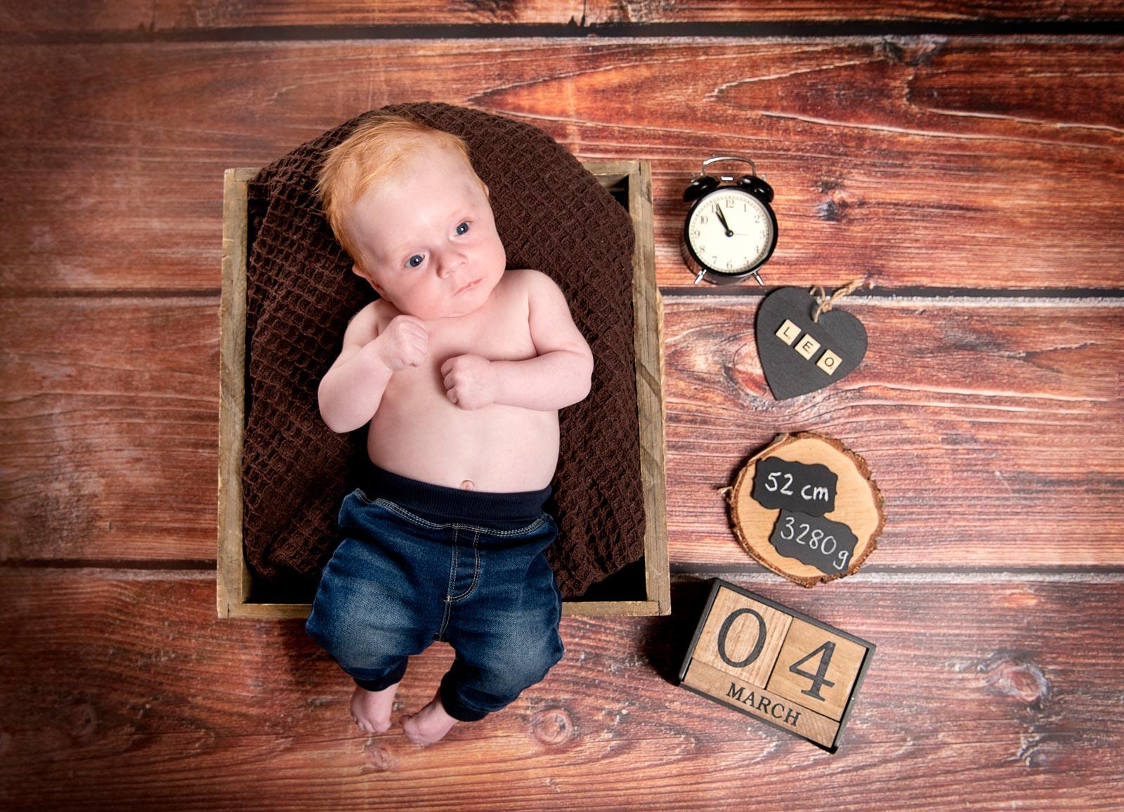 babyfotoshooting mit der grossen schwester